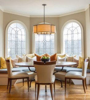 Transitional dining room design by Atlanta interior designer Pineapple House Interior Design