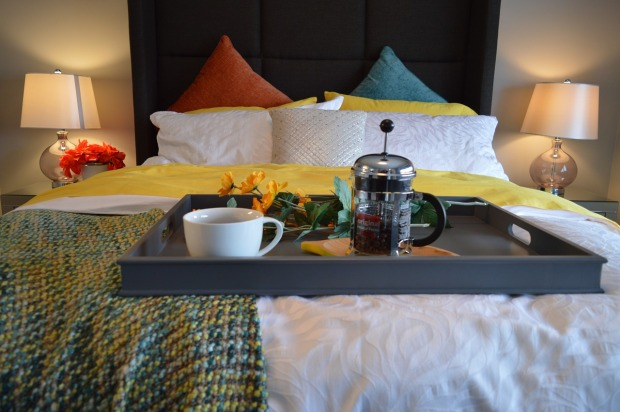 breakfast-in-bed-1158270_1280